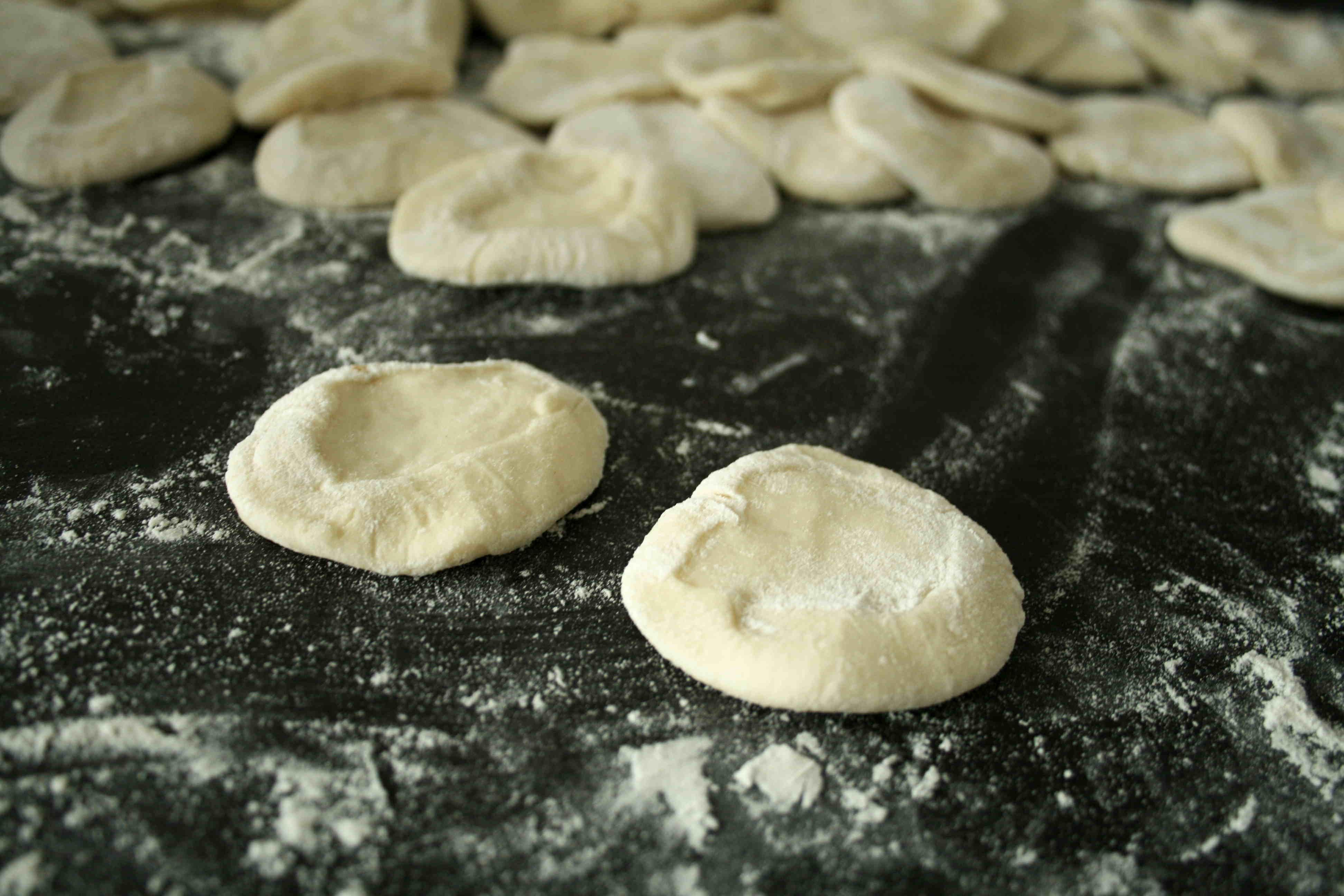 pâte dans la farine